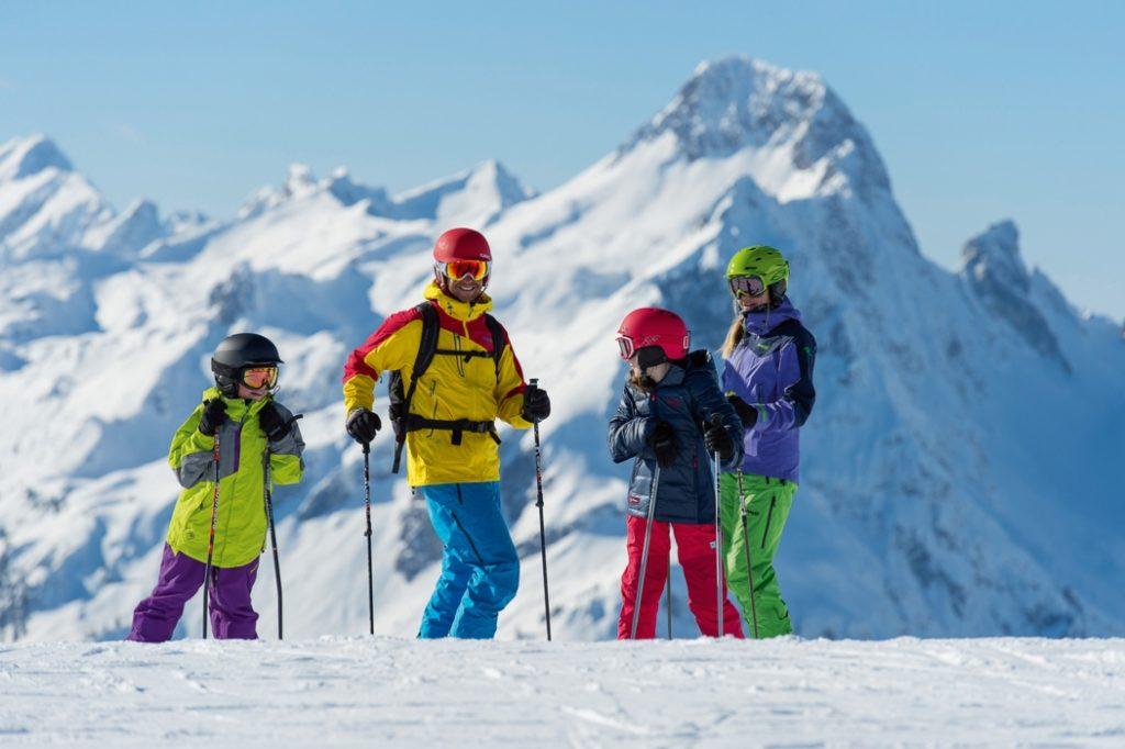 Die Sichherheit der Schneeverhältnisse führt gerade in der Vorweihnachtszeit zu besserer Planbarkeit eines Skiurlaubs. Größe: 2000 x 1261 Pixel Foto: TVB Warth-Schröcken