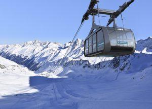 Mit der neuen Falginjochbahn kommt man ab MItte Dezember auf dem Kaunertaler Gletscher sogar barrierefrei bis auf 3.113 Meter. © TVB Kaunertal / Kaunertaler Gletscher / natdesign